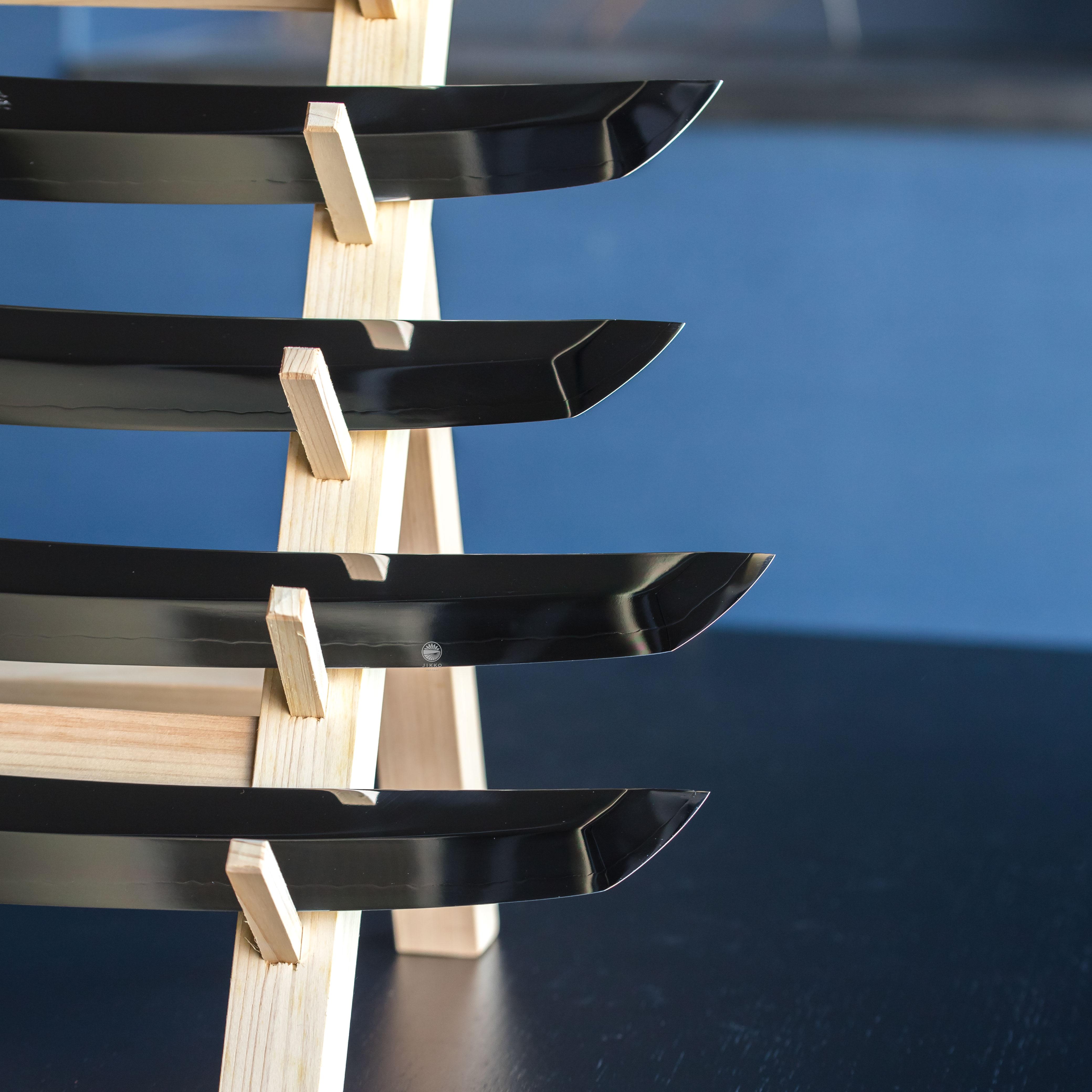 日本刀のようなソリ鏡面刺身 先丸包丁
